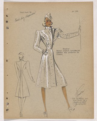 Coat with Six Pockets along Curve in Front