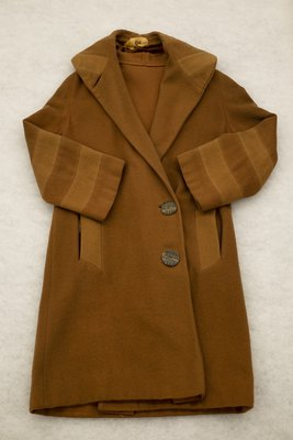 Brown wool coat, front view, 1920
