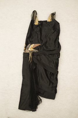 Black silk evening gown, back view, 1921