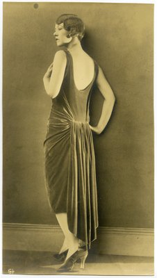 Black and White Fashion Photograph, Fall/Winter 1926-1927