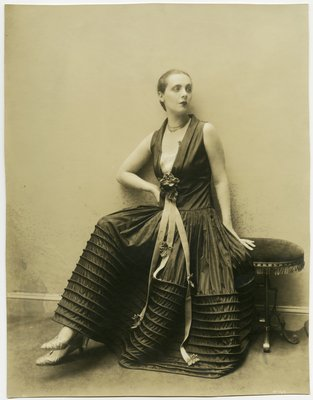 Black and White Fashion Photograph, Fall/Winter 1927-1928