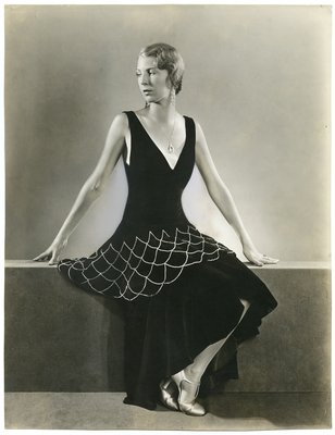 Black and White Fashion Photograph, Fall/Winter 1929-1930