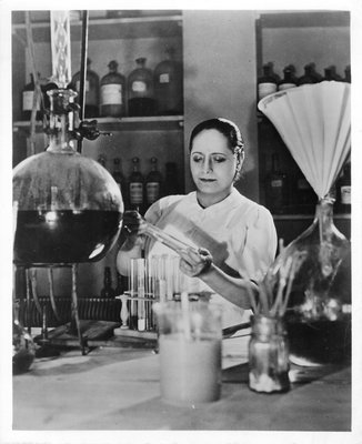 Helena Rubinstein in her Paris laboratory