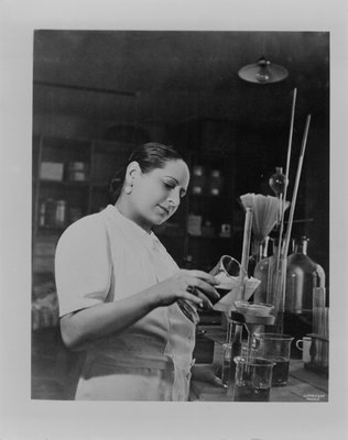 Helena Rubinstein in her Paris laboratory