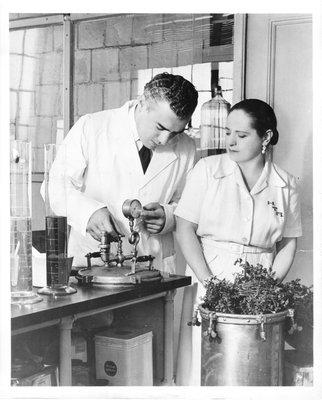 Helena Rubinstein and Artchil Gourielli in her laboratory
