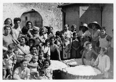 Helena Rubinstein and young workers at her villa in Grasse, France