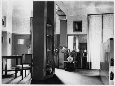 Helena Rubinstein's Paris apartment with Amadeo Modigliani painting