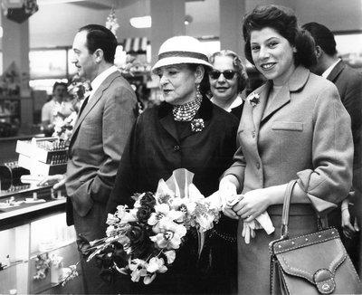 Helena Rubinstein with Oscar Kolin in department store