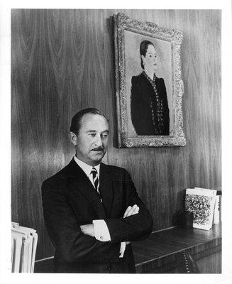 Oscar Kolin with portrait of Helena Rubinstein