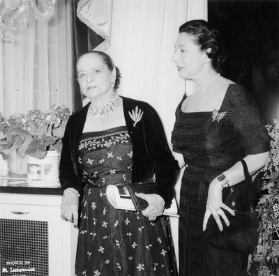 Helena Rubinstein at salon opening