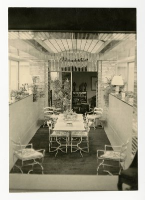 Solarium and dining room in the Paris apartment
