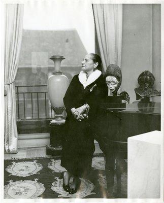 Helena Rubinstein in music room of her Paris apartment