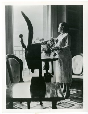 Helena Rubinstein in African Primitive Room