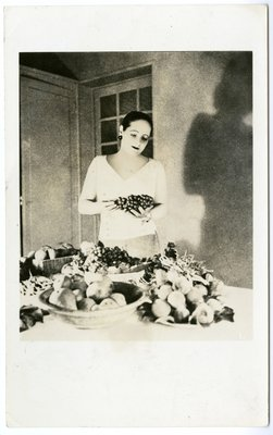 Helena Rubinstein at the Moulin de Breuil with fresh-picked fruit