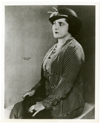Helena Rubinstein in polka-dot ensemble