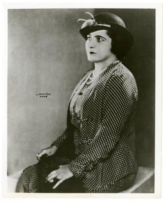 Helena Rubinstein in polka-dot ensemble