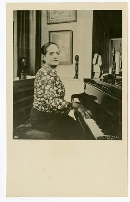 Helena Rubinstein at piano
