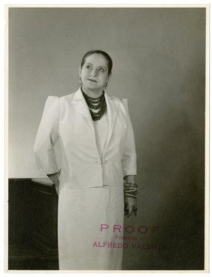 Helena Rubinstein in Balenciaga suit
