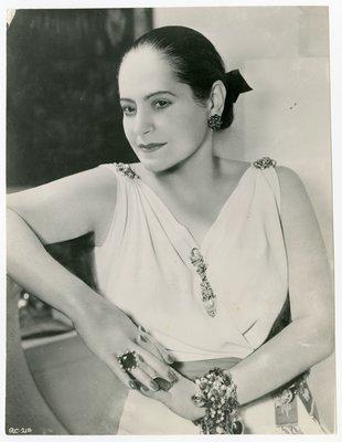 Helena Rubinstein in Grecian-style dress by Molyneux