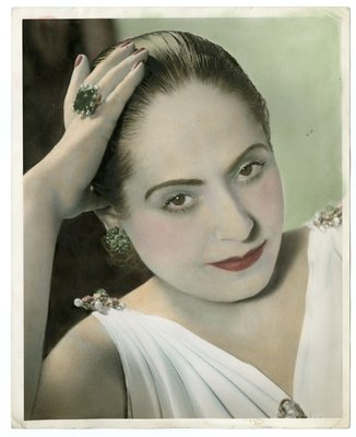 Hand-colored photograph of Helena Rubinstein in Grecian-style Molyneux dress