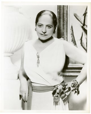 Helena Rubinstein in Grecian-style dress by Molyneux, by painting