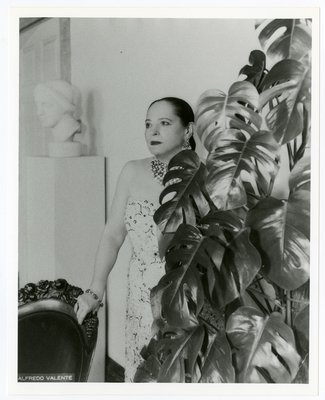 Helena Rubinstein in her New York apartment with Nadelman sculpture