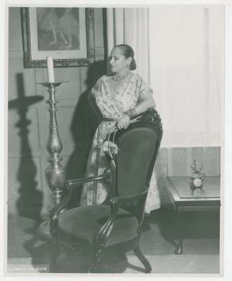 Helena Rubinstein with Degas ballerina painting