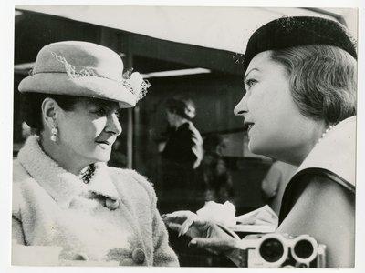 Helena Rubinstein and actor Gloria Swanson