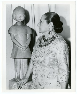 Helena Rubinstein with sculpture Chana Orloff