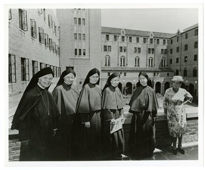 Helena Rubinstein with nuns at Maryknoll Sisters
