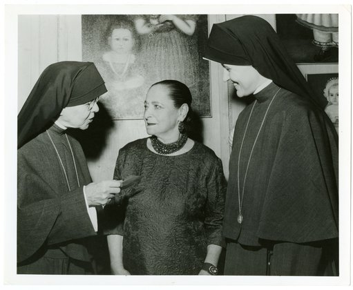 Helena Rubinstein and nuns at her New York apartment