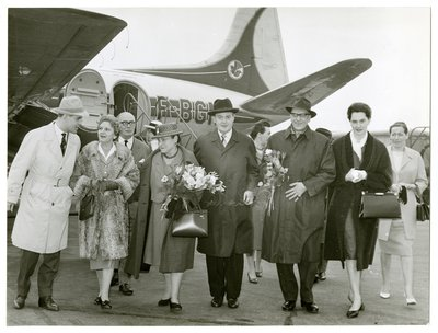 Helena Rubinstein on tarmac by Air France plane