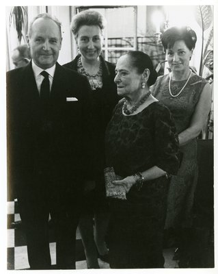 Helena Rubinstein with French perfumers