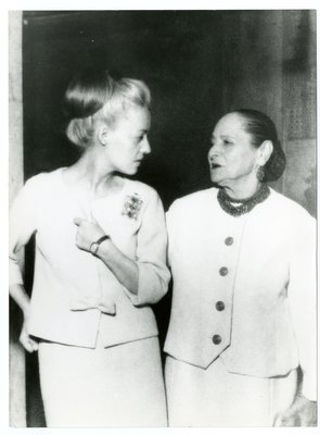 Helena Rubinstein and young women