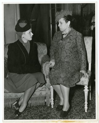 Helena Rubinstein with actor Joan Bennett