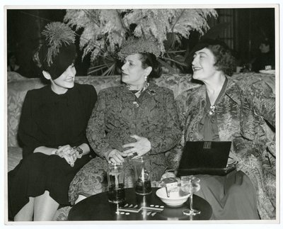 Helena Rubinstein with actors Lola Lane and Contstance Collier