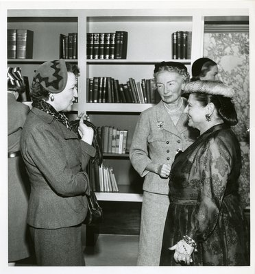 Helena Rubinstein fashion editors Jessica Daves and Carmel Snow