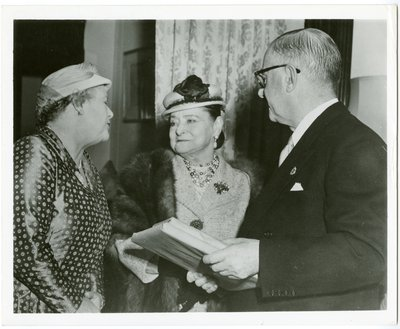 Helena Rubinstein with the Mayor and Mayoress of Melbourne