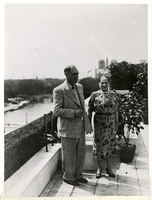 Helena Rubinstein with artist Henri Laurens