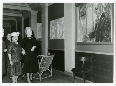 Helena Rubinstein with the wife of Niels Bohr