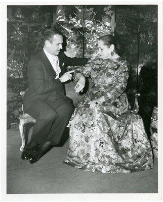 Helena Rubinstein with Graham Sutherland