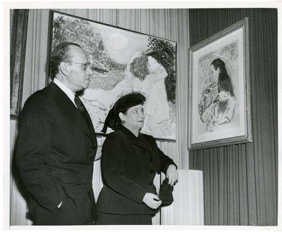 Helena Rubinstein with paintings by Marcel Vertes