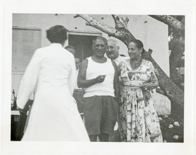 Pablo Picasso with Helena Rubinstein and Artchil Gourielli