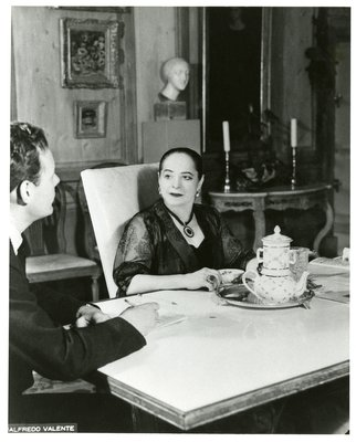 Helena Rubinstein in dining room of her Park Avenue apartment
