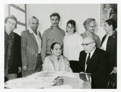 Helena Rubinstein and companions in a casual shot